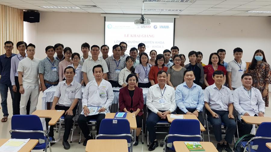 Khai giảng lớp bồi dưỡng chuyên khoa phục hồi chức năng